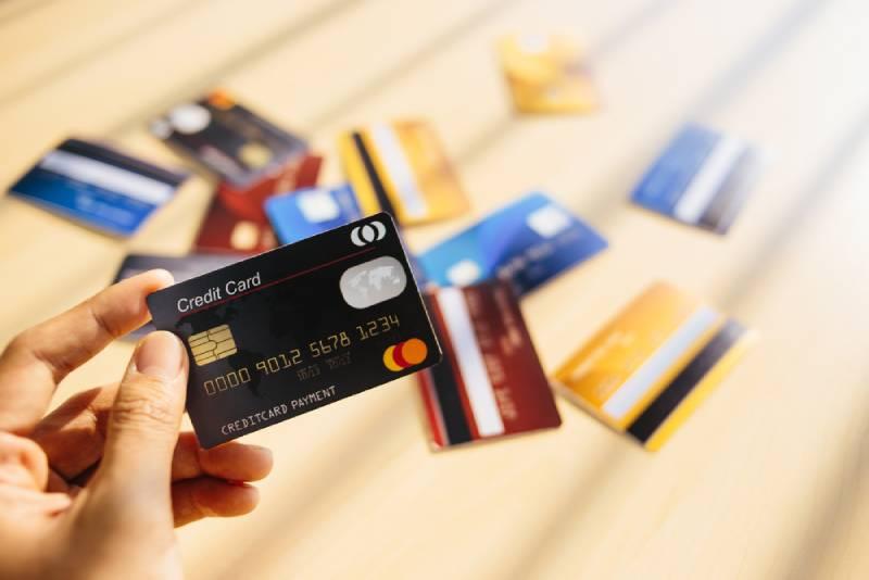 Ngưng phụ thuộc vào thẻ tín dụng ngay bây giờ nếu bạn muốn giàu