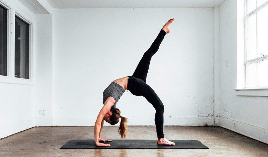 Tập yoga tại nhà để nâng cao sức khỏe