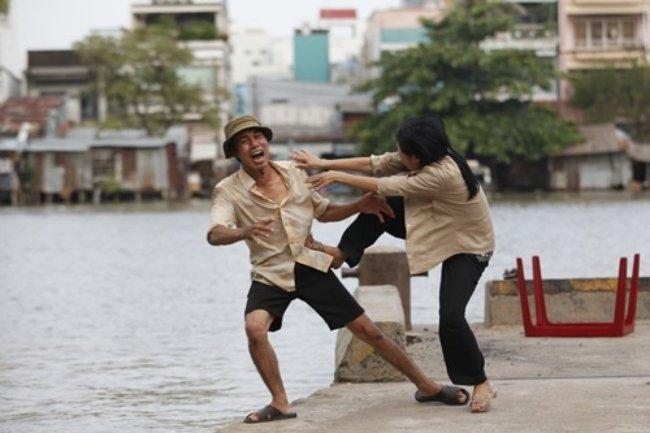 chiêm bao đánh nhau với người khác là lời nhắn nhủ bạn hãy cẩn thận trong tương lai