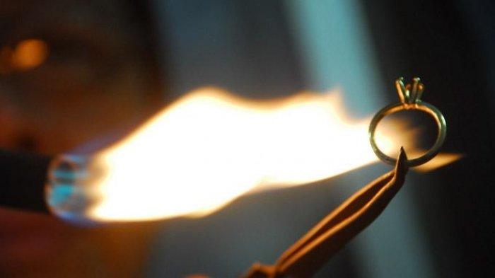 Dùng lửa thử vàng