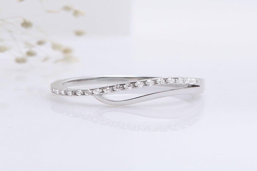 Nhẫn vàng trắng tinh xảo