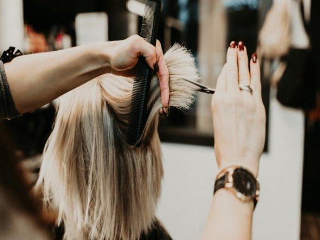 Nằm mơ thấy tóc bị cắt ngắn có ý nghĩa gì?