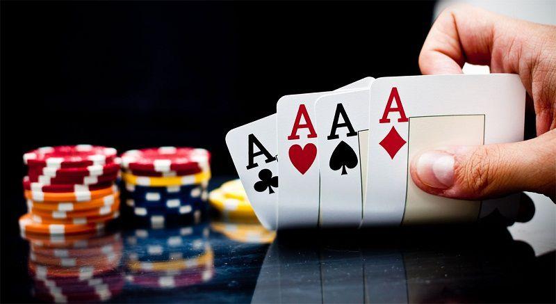 Mơ thấy đánh bài nên đánh con gì dễ trúng