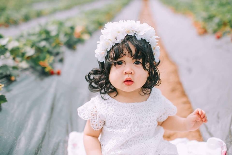 Phụ nữ nằm mơ thấy em bé gái là điềm tốt hay xấu?