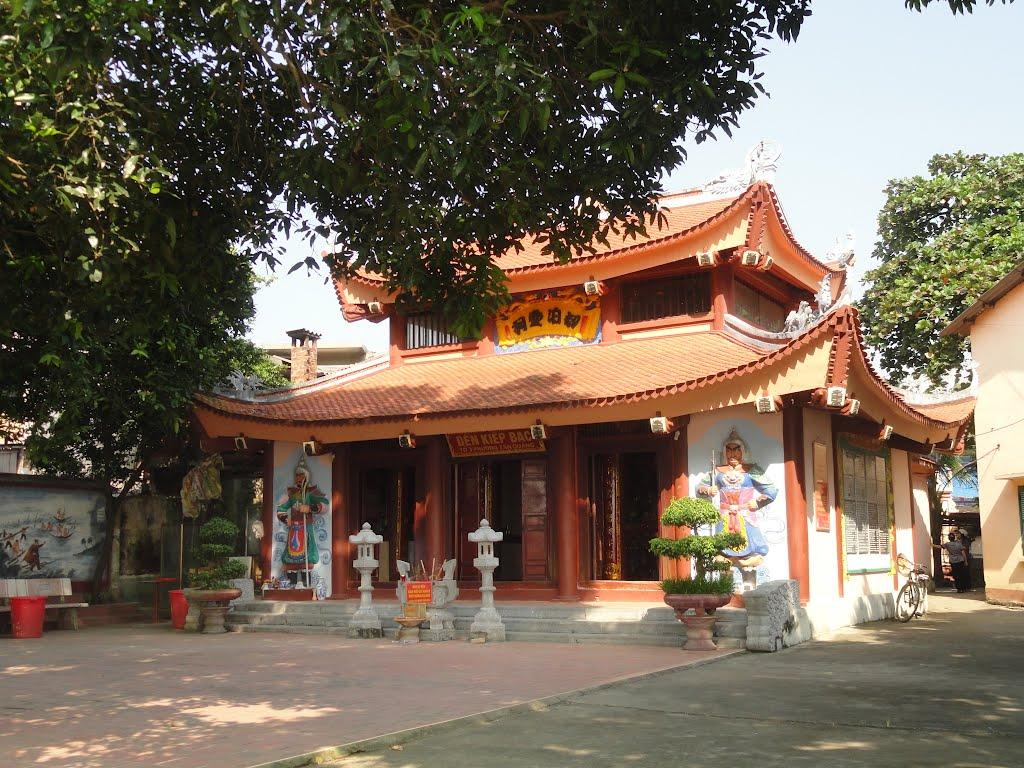 Nằm mơ thấy mất tiền khi mình ở đền chùa