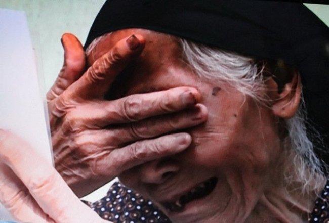 Mơ thấy mẹ khóc là dấu hiệu bạn cần phải cẩn thận chuyện đi lại