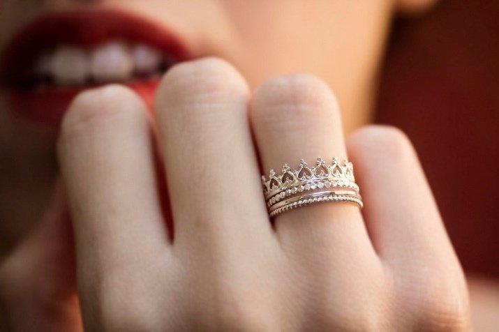 Nằm mơ thấy người khác đeo nhẫn vàng