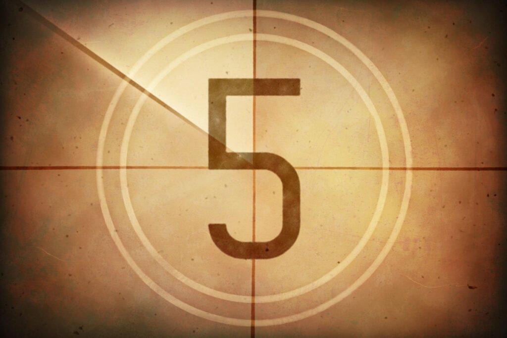 Mơ thấy số 5 là lành hay dữ