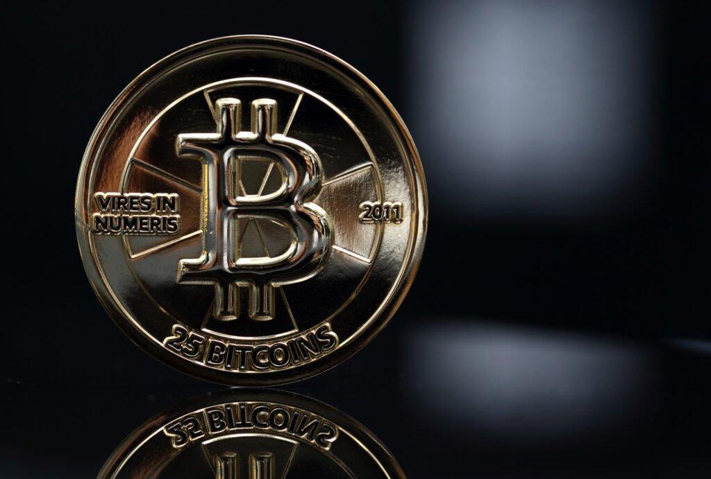 Tiền điện tử hôm nay 12/10: Thị trường một màu đỏ