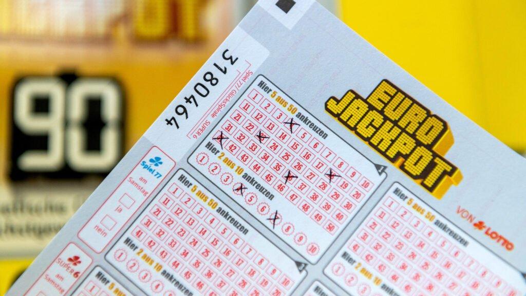 Xổ số E.U - EuroJackpot trả thưởng khi nào?